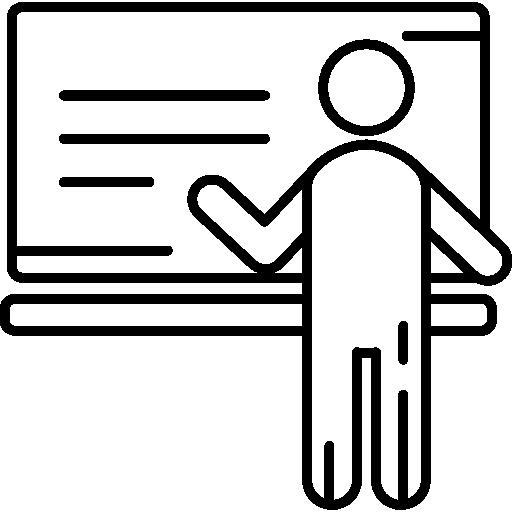 מורה עומד ליד לוח
